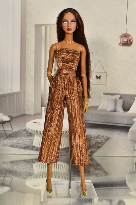 https://flic.kr/p/25c6ZSV | Agnes Fire Fly Fashion Royalty
