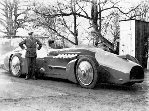"""1928 - February 19th - Malcomb Campbell in his Blue Bird III, Powered by a Supermarine S.5 """"Sprint"""" Engine, set a New World Land Speed Record of 209.956 mph at Daytona Beach, Florida (2)"""