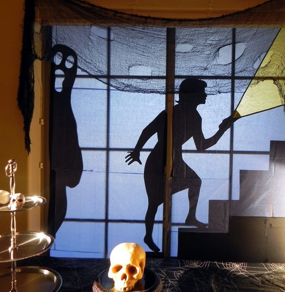 Vintage Halloween Collector blogsite with good decorating ideas: Halloween Decorations, Halloween Window Display, Halloween Collector, Holidays Halloween, Decorating Ideas, Fall Halloween, Halloweenfall Stuff, Ideas Reminds