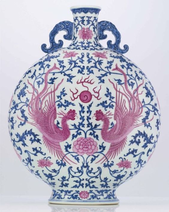 Pink-Enameled Blue And White Porcelain Moonflask (1736-1795)