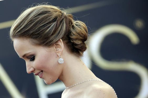 Video Hair Tutoiral on how to get Jennifer Lawrences hair from the Oscars. LOVE!!