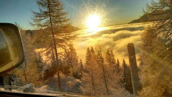 """☀ ☀ ☀ Das Team der Felbertauern Straße wünscht euch  allen ein besonders sonniges Wochenende! ☀ ☀ ☀   """"Hab Sonne im Herzen, ob's stürmt oder schneit. Ob der Himmel voll Wolken, die Erde voll Streit! Hab Sonne im Herzen, dann komme, was mag, das leuchtet voll Licht dir den dunkelsten Tag!""""  (Cäsar Otto Hugo Flaischlen)  Foto © Panoramarestaurant Steinermandl"""