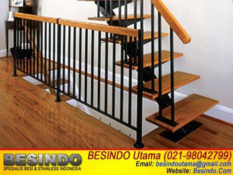 contoh gambar foto desain railing tangga besi model