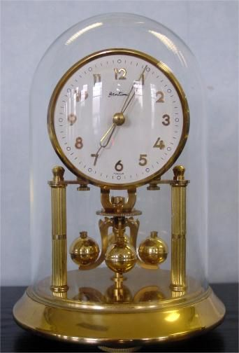 When it comes to older clocks, this style, the 400-day clock or, if you want to sounds smart, a torsion pendulum clock, is one of my favourites. My grandparents used to have one and I loved watching them spin when I was a kid.
