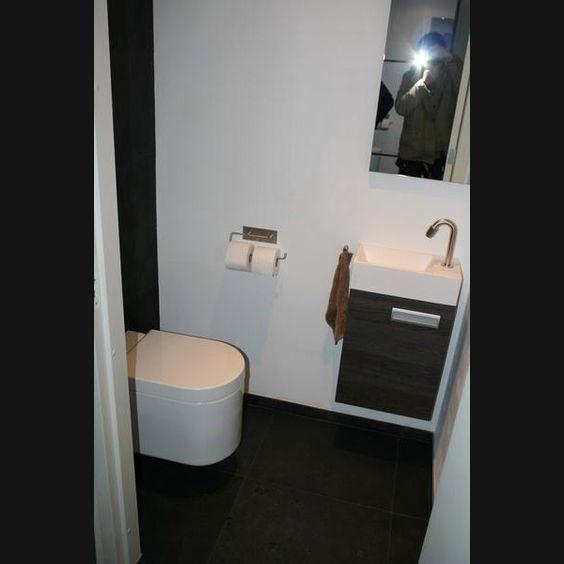 Toilet met fontein en bergruimte in het kastje en rvs fonteinkraan ...