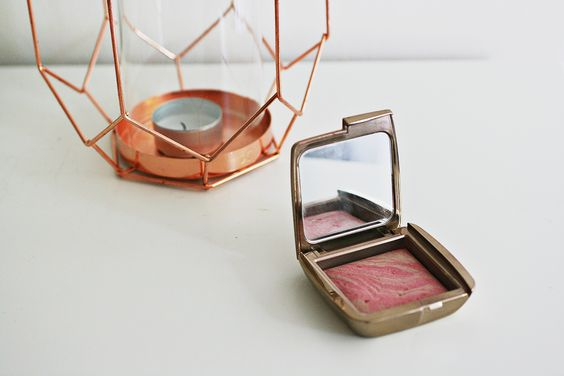 ANYWEARS: Hourglass Ambient Lighting Blush Review