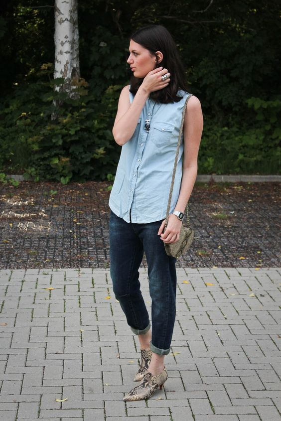 Flames & Desires: Outfit: Denim on denim, Schlangenprints und Spielzeugketten
