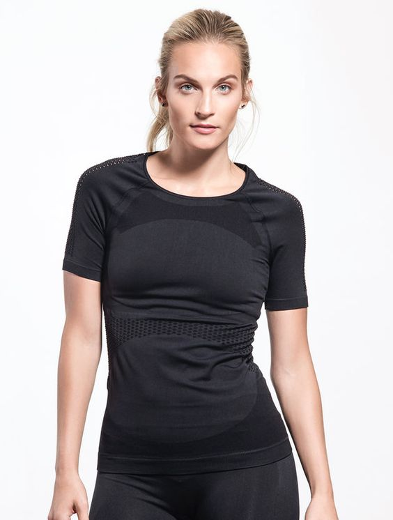 Essential Seamless Mesh Tee