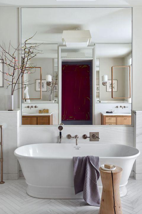 In Designer Kevin Dumais Mid Century Modern Tribeca Loft The Walls And Floor Are She White Master Bathroom Contemporary Bathroom Designs Best Bathroom Designs