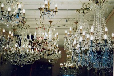 I am beyond OBSESSED with chandeliers.