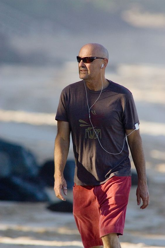 Feb 04, 2007; Oahu, HI, USA; Actor TERRY OQUINN takes his daily jog on the North Shore. Quinn plays the character of Locke on the TV show LO...: