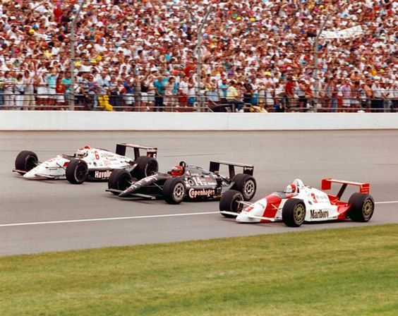 Prima fila di leggende, Rick, Foyt e Mario Andretti. pinterest.com