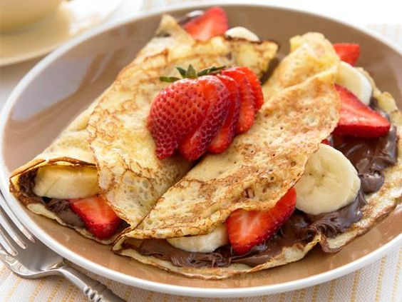 Farmers' Market Recipe Finder: Strawberries: 400-Calorie Crepes http://www.prevention.com/food/healthy-recipes/farmers-market-recipe-finder-strawberries?s=15