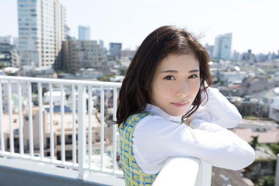ワンレンスタイルの松岡茉優