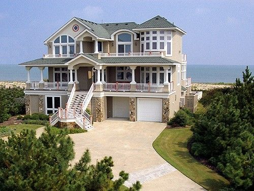 I would love to live on the ocean!! So beautiful
