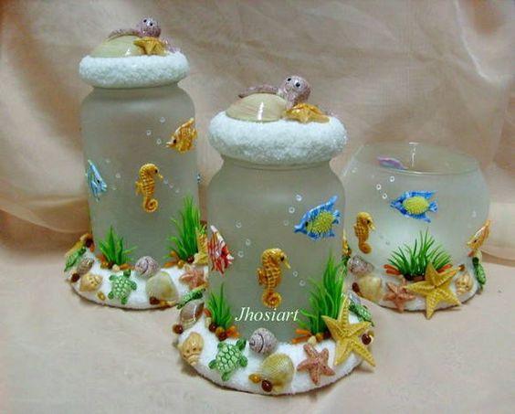 Pote de vidro jateado decorado em biscuit