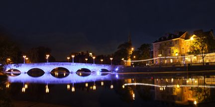 Picture of Bedford Town Bridge at night