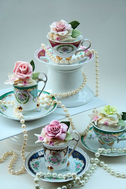 Cakes in vintage tea cups