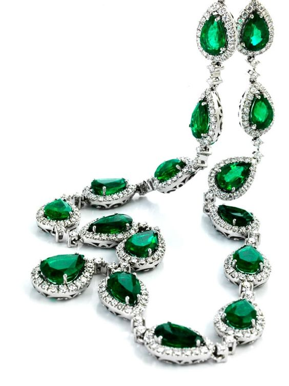Zambian emerald and diamond necklace: