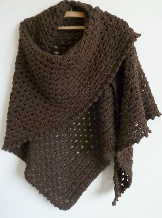 Lovely shawl. Free pattern.
