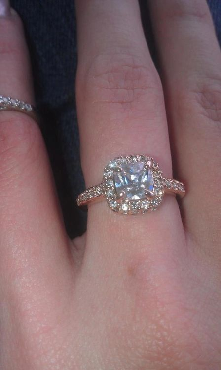 I love this ring! I wish I could find one like this in my diamond candle