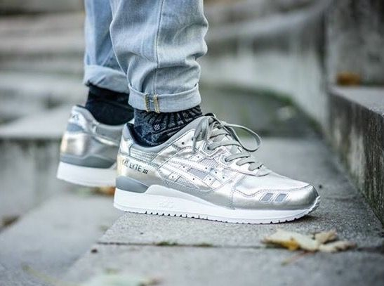 asics gel lyte iii trainers with iridescent detail