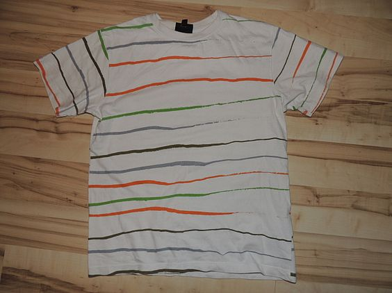 T-Shirt One by One Gr.152  1,99€