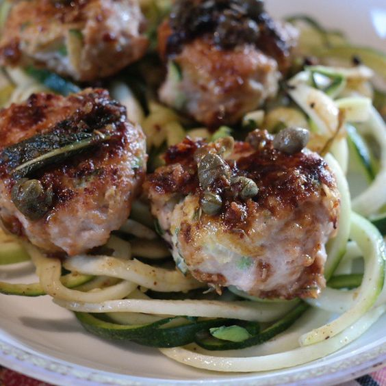 Chicken and Zucchini Sage Meatball ferrrr your face, and your face, and everybody's face. ____________________________________ MEATBALLS (makes approx 24) -2 lbs ground chicken -1 small zucchini, shredded -1 egg -1 tbl juice of lemon -2 tbl dried thyme (can use fresh, didn't have any) -5 fresh sage leaves, chopped -dash of salt and pepper - oil for skillet --Shred zucchini and pat dry. --In a large bowl, combine all ingredients and mix well. Roll into balls and place on a hot pan. --Cook for…