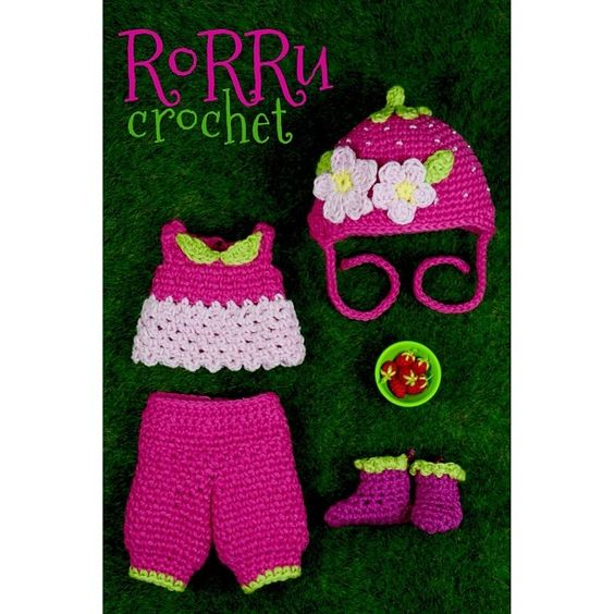 Strawberry Outfit for Lati yellow sp, Size 20cm tall. For sale ^^... Any inquiry please text me on BBM or LINE ^^... #Padgram