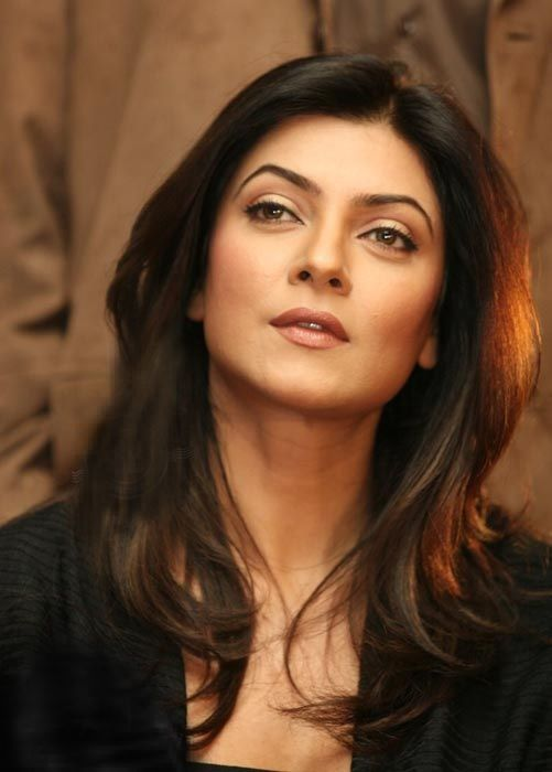 Sushmita Sen. She's absolutely gorgeous, so it's sad how under-rated she is. Those eyebrows are perfect!