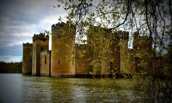 Château de Bodiam, Sussex, Royaume-Uni