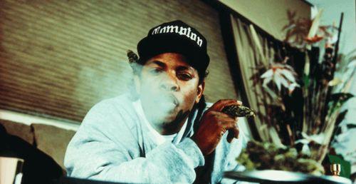 Easy E smoking