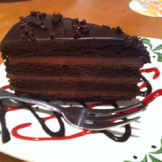 Olive Garden 39 S Triple Chocolate Strata Cake Delicious I Heard They Are Getting Rid Of