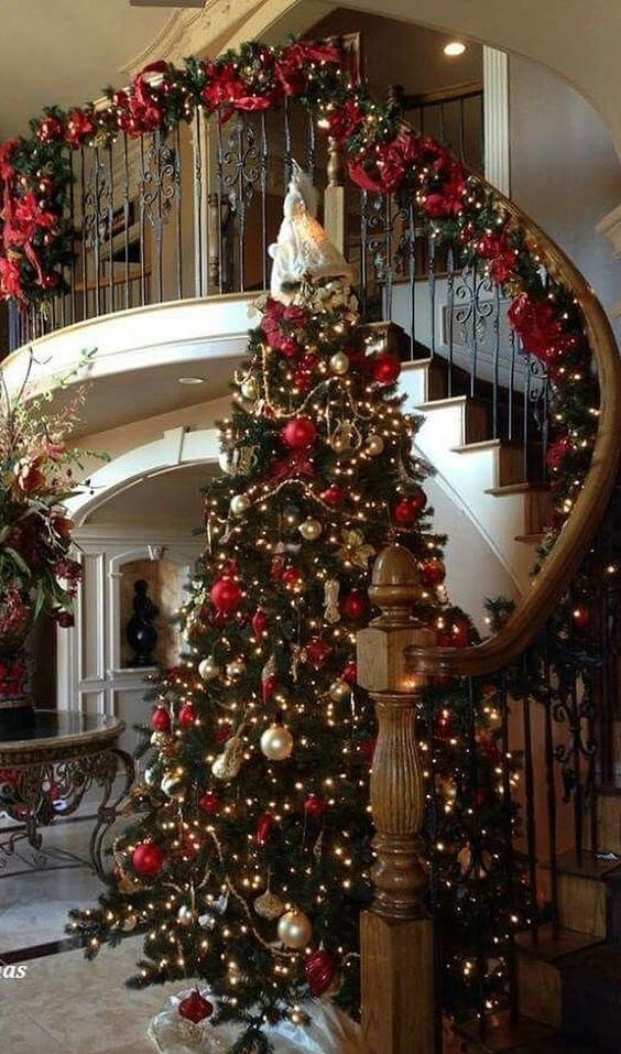 Image Discovered By Lizy Find Images And Videos About Inspiration Winter And Home On We Heart It The Christmas Decor Diy Elegant Christmas Christmas Lights