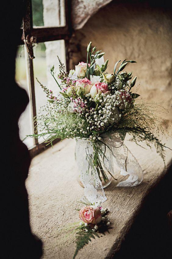 Bouquet roses et gypsophile