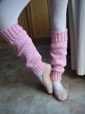 Easy Peasy Ballerina Leg Warmers-her technique is wrong, but i like the legwarmers (boot toppers)