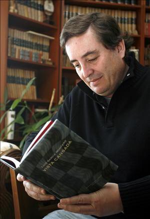 Luis García Montero  http://luisgarciamontero.com