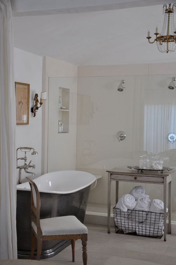 Channel Islands Harbor home of brooke and steve Giannetti.  master bathroom.