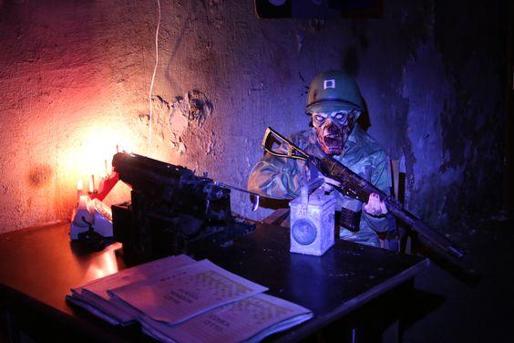 Escape room, jeb izmukšanas istaba, nekad nav bijusi tik aizraujoša, kāda tā ir Siguldā, Padomju armijas pazemes bunkurā.