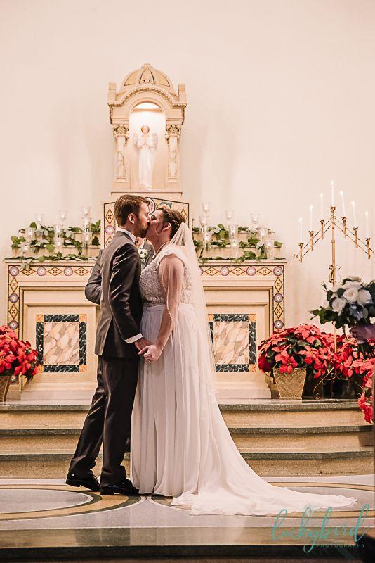 Winter Wedding Near Bowling Green Ohio Wedding Wedding Venues Nazareth Hall