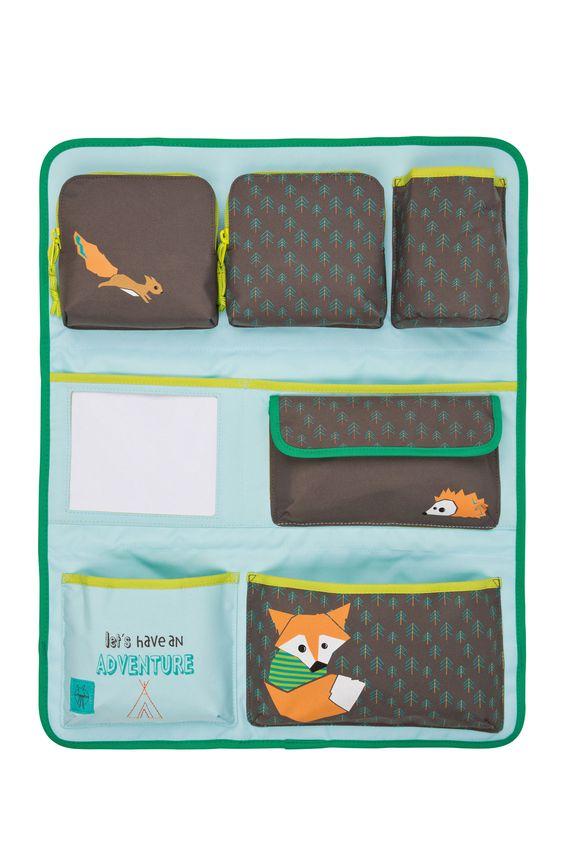 Reisekomfort pur bietet das Car Wrap-To-Go Produkt. Diese praktische Tasche lässt sich am Rücksitz im Auto einfach anbringen, damit Kinder bei der Fahrt künftig alles in greifbarer Nähe haben. Krokodilstränen gehören damit der...