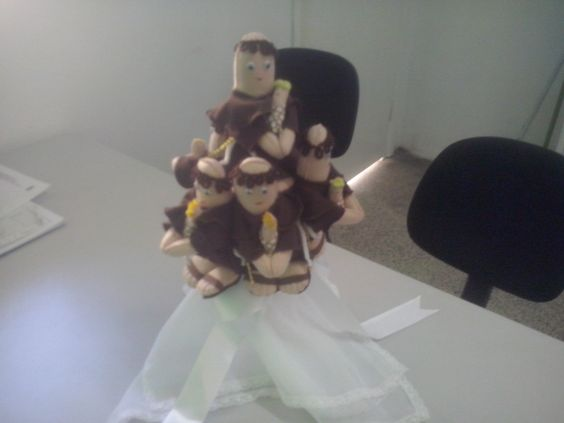 """Meu primeiro """"Bouquet de Santo Antonio"""" finalizado..."""