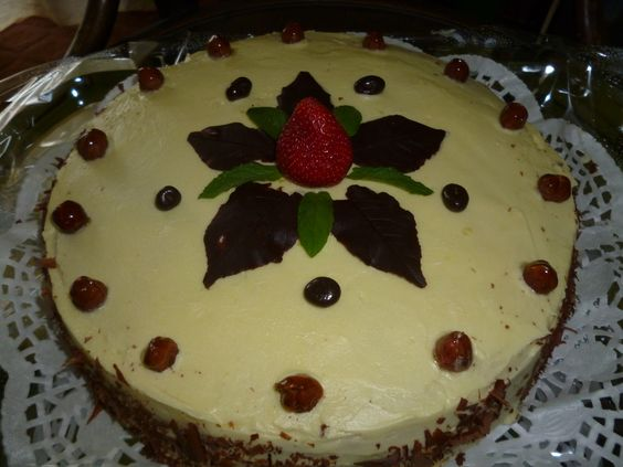 OUR YUMMY CHESTNUT CAKE WITH EDIBLE LEAVES(HOMEMADES)