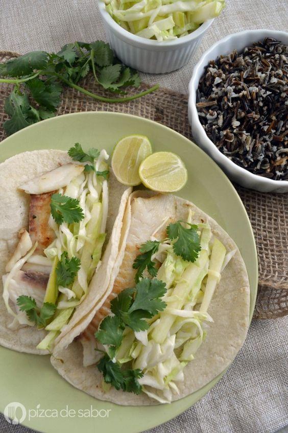 Tacos de pescado con ensalada de col al limón www.pizcadesabor.com