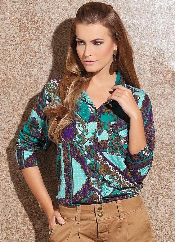 Camisa Feminina com Estampa de Lenço - Posthaus