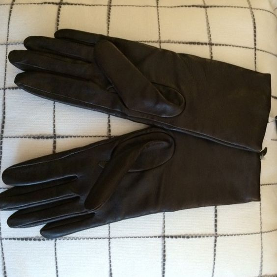 Leather gloves Brand new leather gloves with cashmere lining- never been worn! Very dark brown and fitted. Perfect condition! Accessories Gloves & Mittens