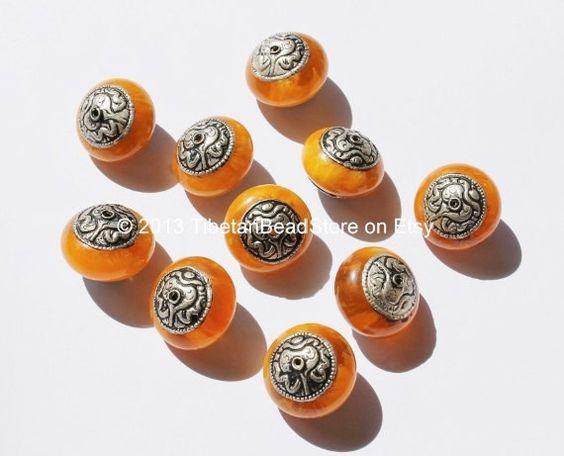 10 beads - Tibetan Amber Copal Resin Beads with Repousse Auspicious Conch Tibetan Silver Caps - Ethnic Nepal Tibetan Beads - B990-10