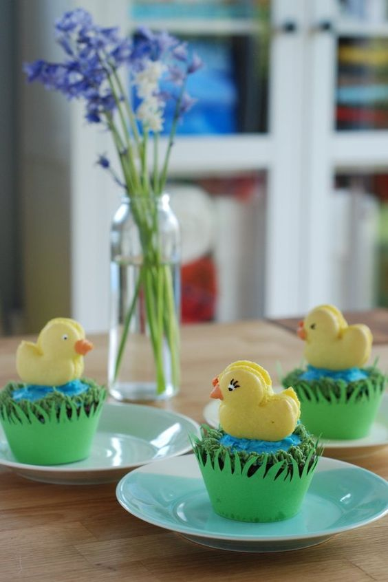 Duck macarons on cupcakes