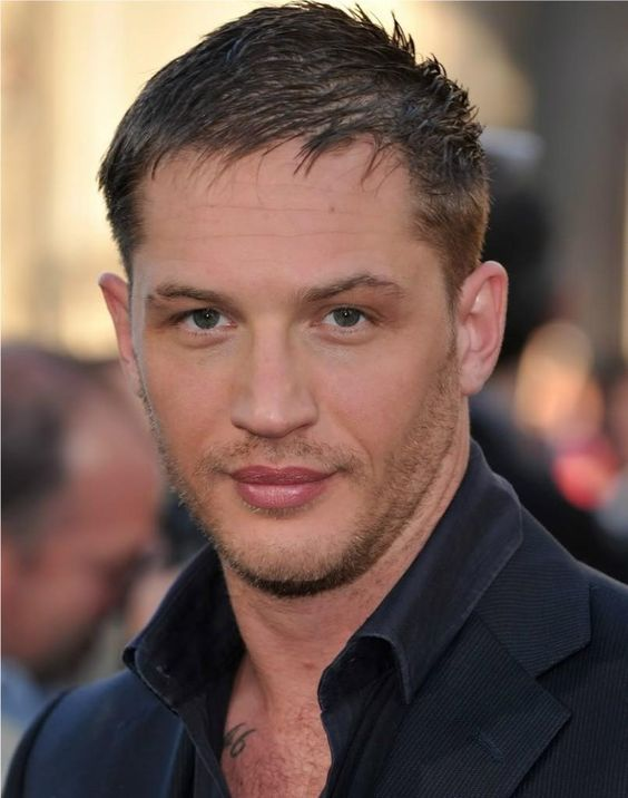 Tom Hardy- those LIPS!