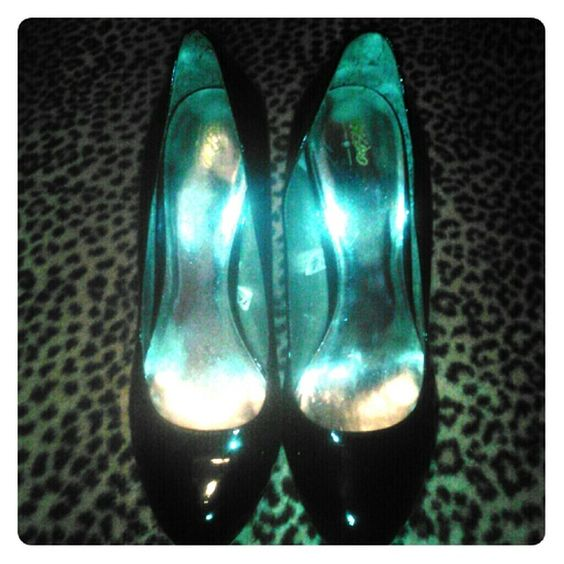 """Mossimo Sexy Black Pumps Mossimo Sexy Black Pumps...Size 9 1/2... these...black patent leather 5"""" heels (just a little too high for me...lol)...super comfy and look amazing on...worn once...in excellent condition Mossimo Supply Co. Shoes Heels"""